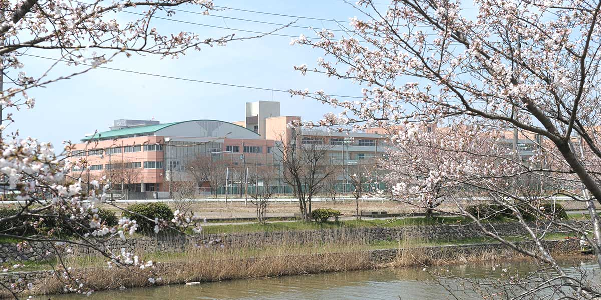 東京学館新潟高等学校 クラシックギター部